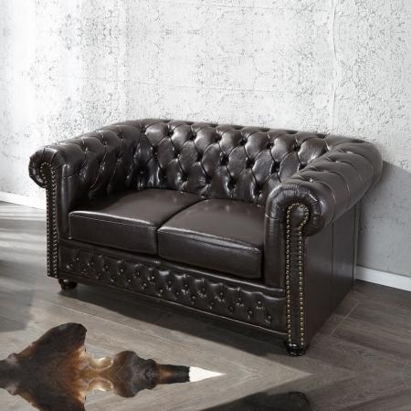 2er Sofa WINCHESTER Dunkelbraun im klassisch englischen Chesterfield-Stil - 1