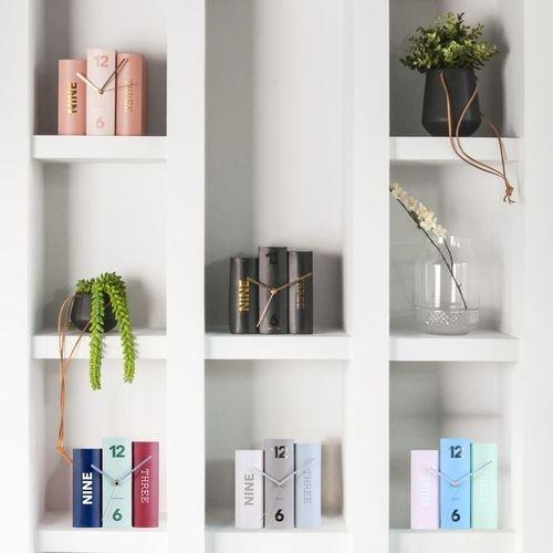 Standuhr BOOK Pastell Grau aus Papier 20cm - 3