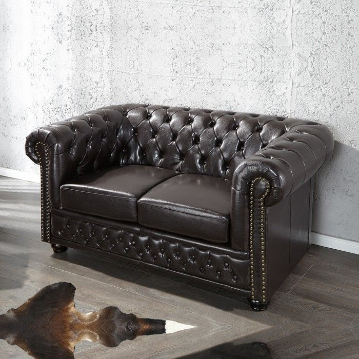 edle chesterfield 2er sofa winchester dunkelbraun kunstleder chaiselounge ebay. Black Bedroom Furniture Sets. Home Design Ideas