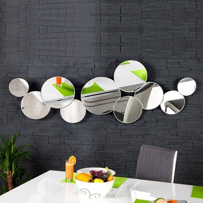 wandspiegel bubbles mit 10 runden spiegelfl chen 145cm. Black Bedroom Furniture Sets. Home Design Ideas